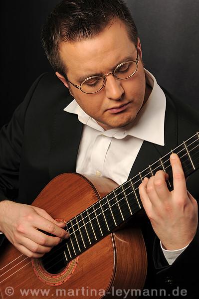 Max Richter, klassischer  Gitarrist